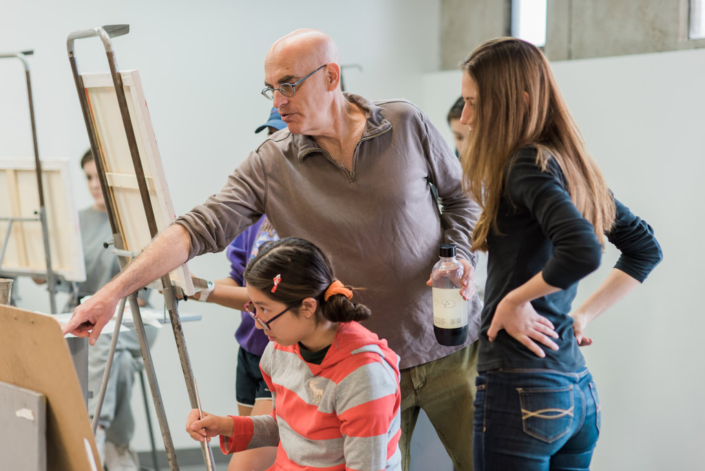 Ryman Arts Master Teaching Artist David Schoffman with students