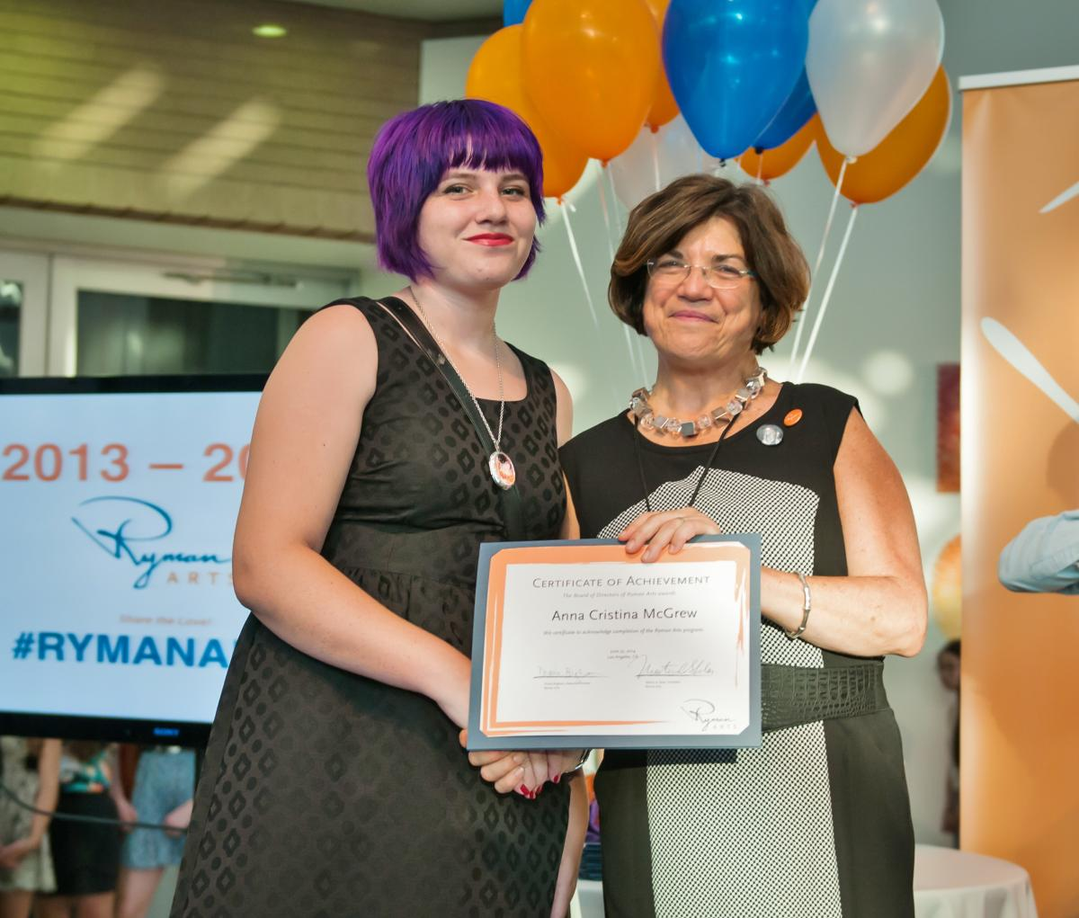 TEA Buzz Price Student Award Anna McGrew (Ryman '14) and Executive Director Diane Brigham