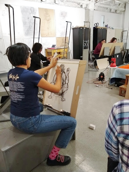 Through the process of modified contour drawing, Ryman Arts students hone their observational drawing techniques
