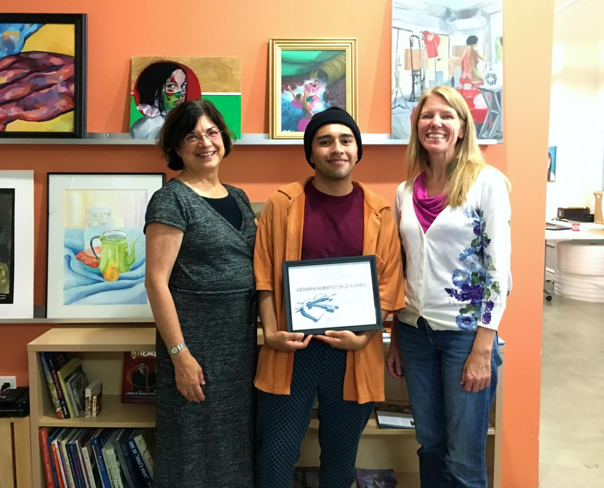 Diane Brigham, Hani El-Masri Student Artist Award Geovani Alberto Cruz Alfaro (Ryman '17), and Education Manager Rebecca Tuynman (left to right)