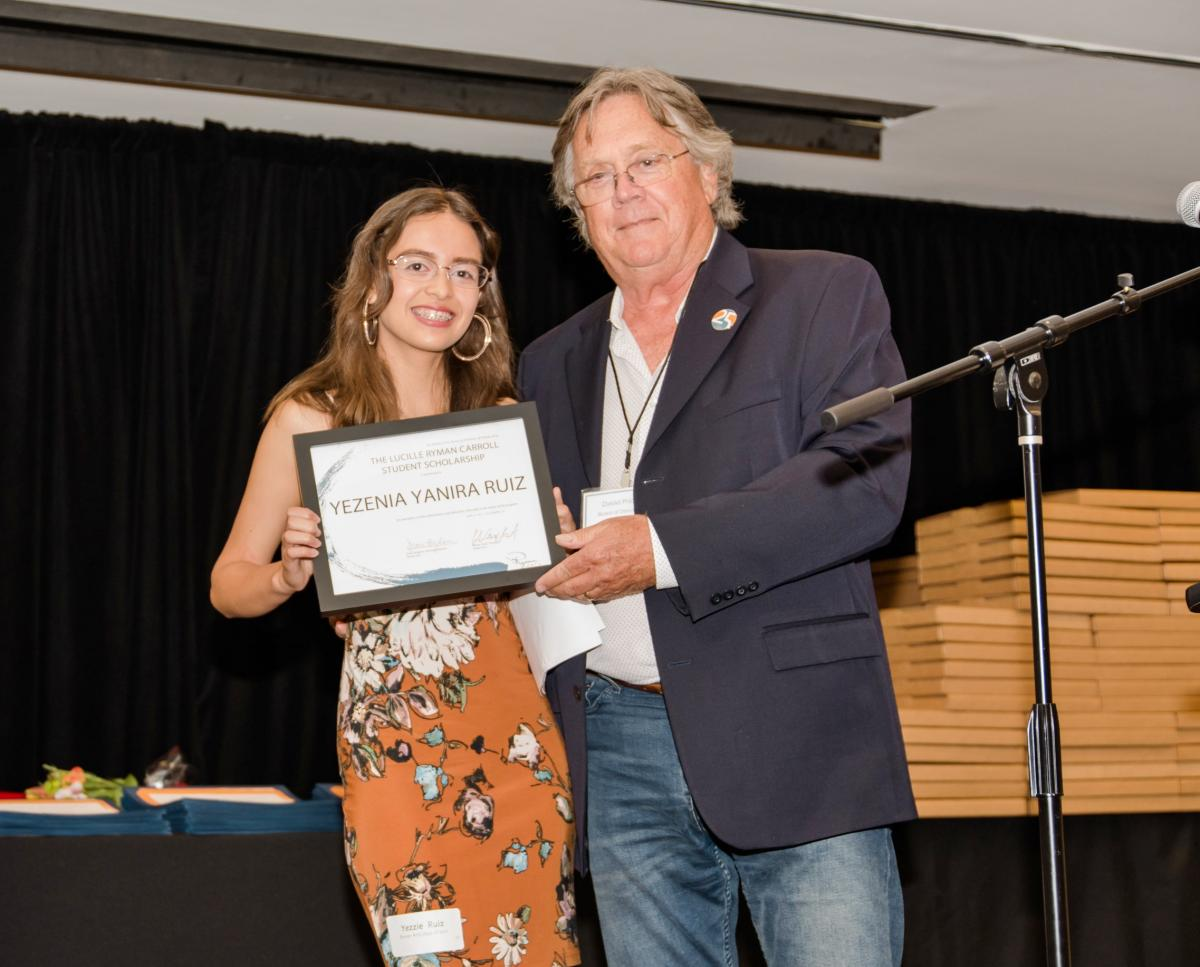 Lucille Ryman Carroll Student Award Yesenia Ruiz (Ryman '17) and Board member David Price
